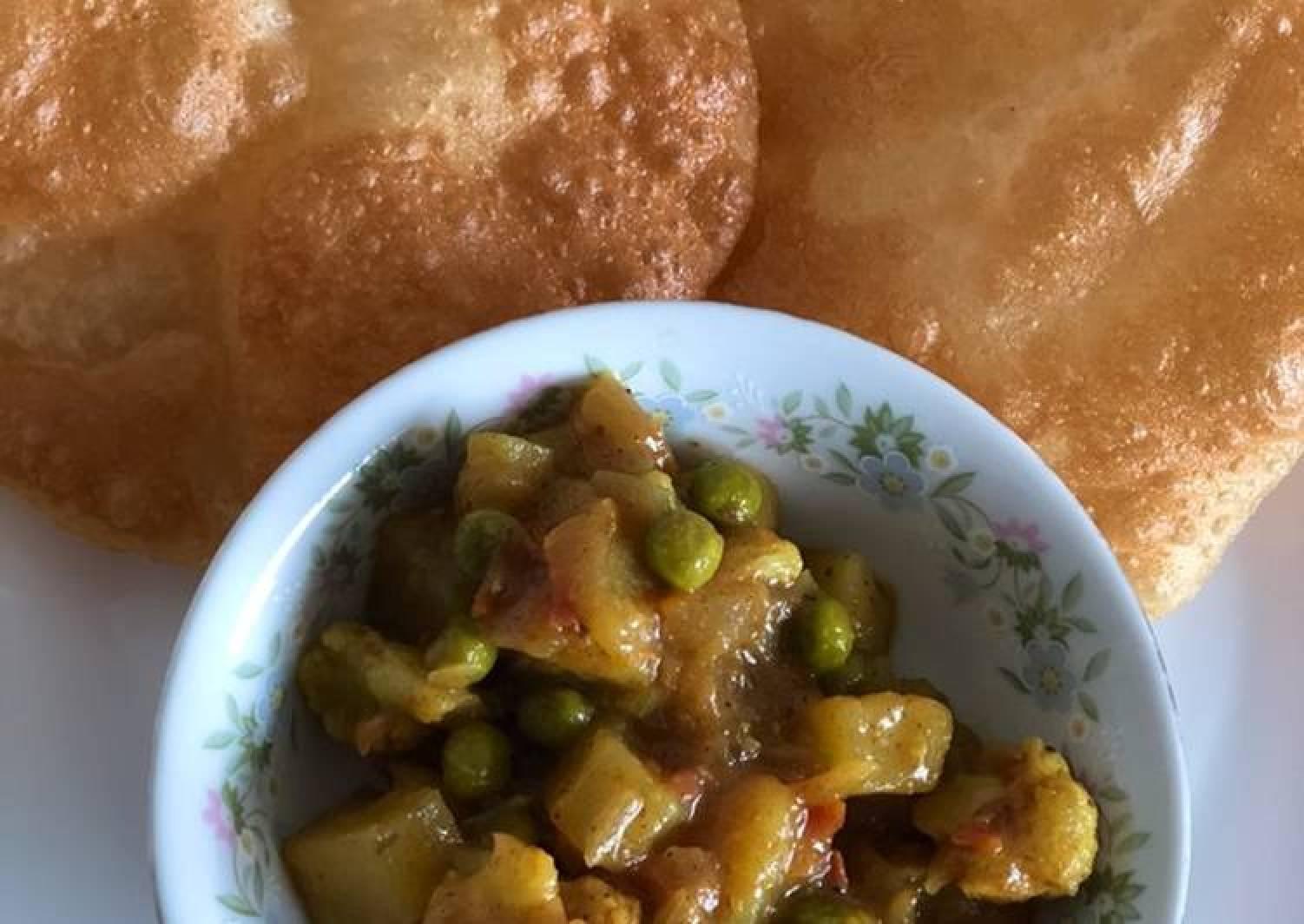 Aloo Gobhi Peas masala for poori, chapati/naan