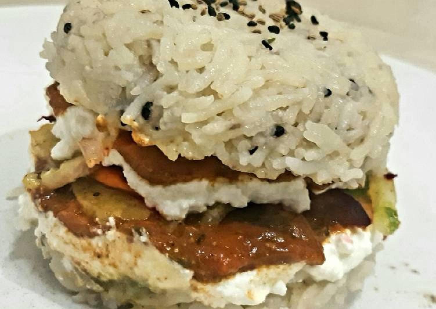 Veg sushi burger