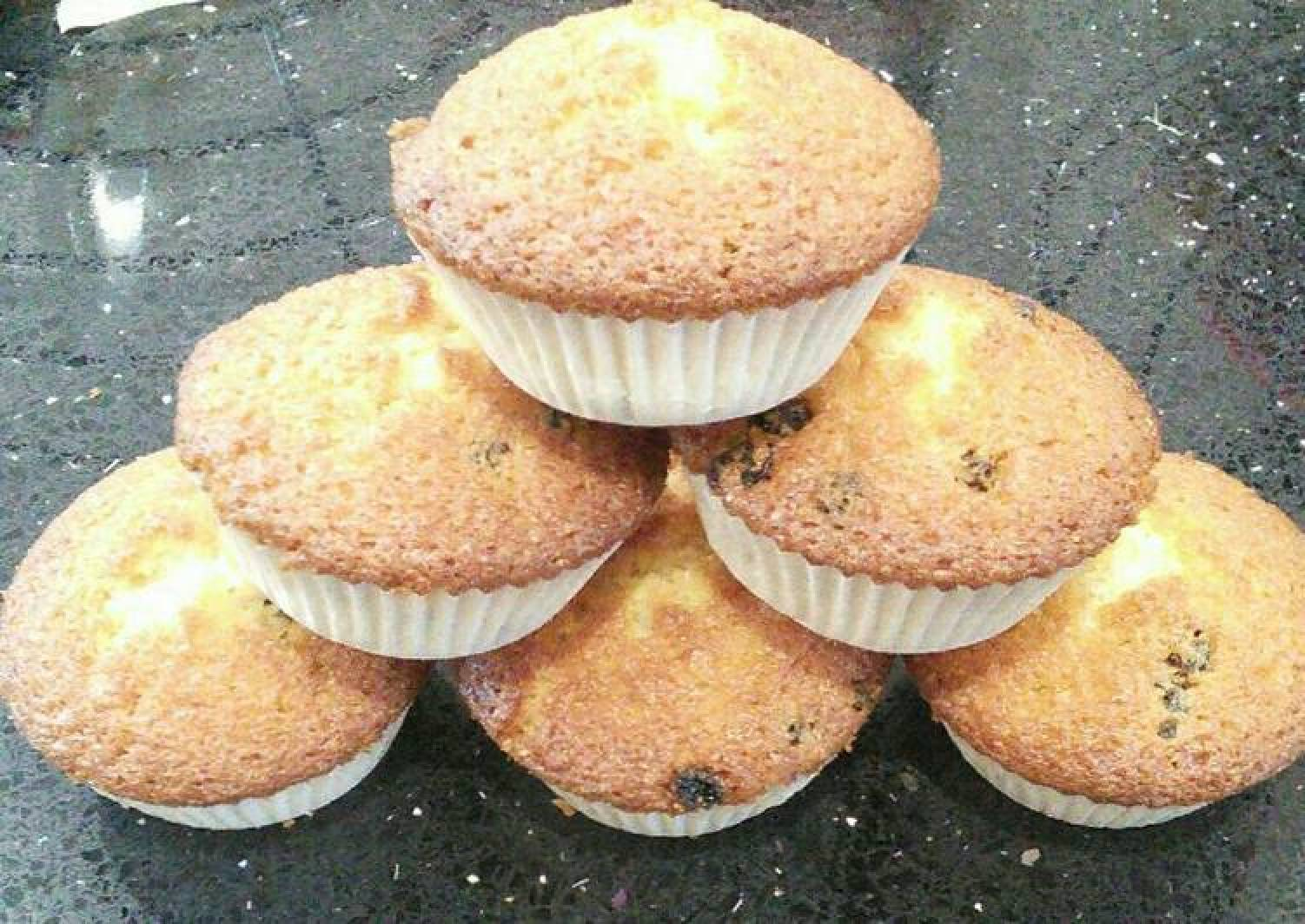 Currant Fairy Cakes