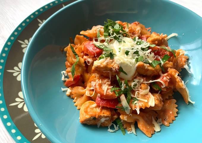 Rezept Um Superschnelle Hausgemachte Fajita-Pasta mit Hähnchenbrust zu machen