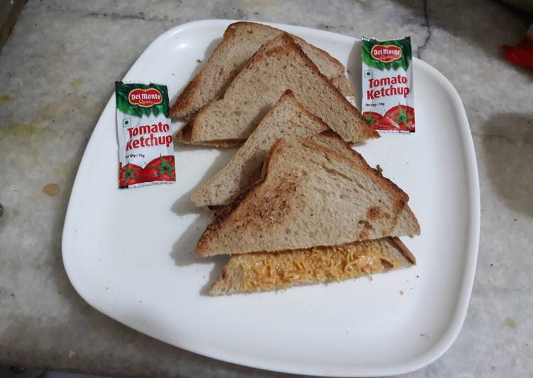 Steps to Prepare Award-winning Bhujia Sandwitch