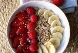 Recettes de cuisine Muesli bowl fruits rouges Délicieux