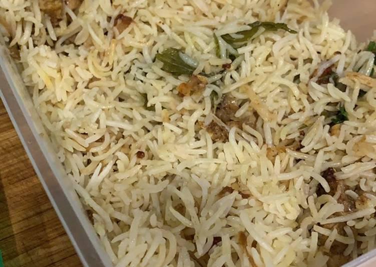 Easiest Way to Prepare Quick One pot rice cooker chicken biryani