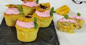 Jackfruit muffins with strawberry icing