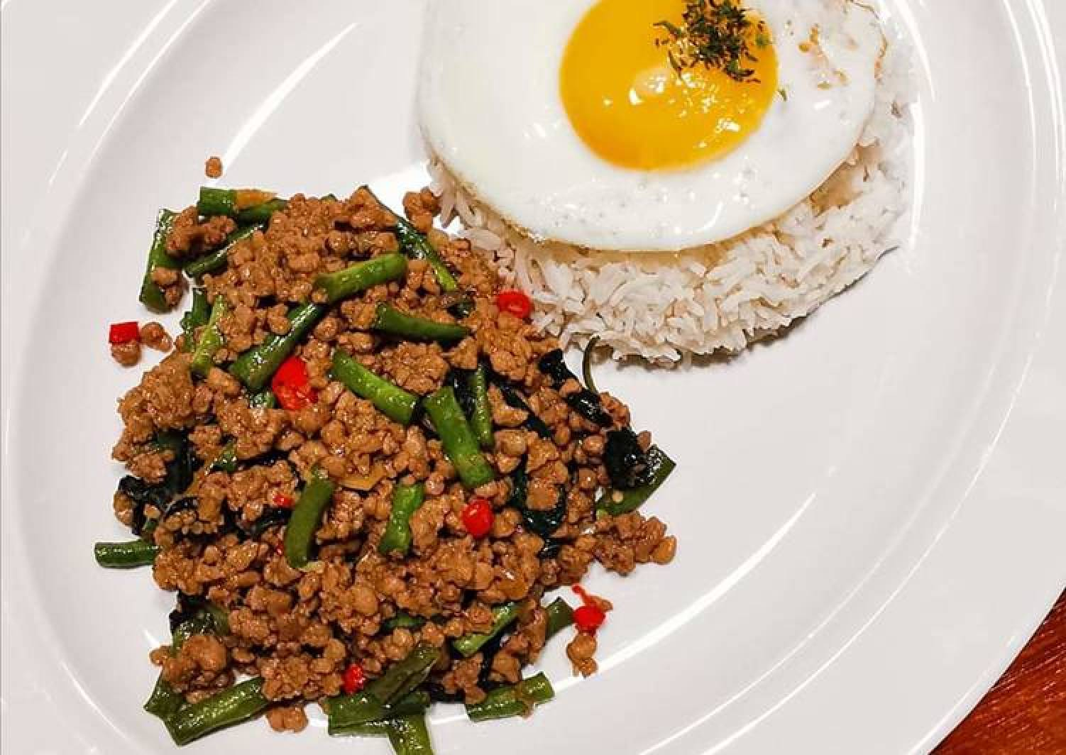 泰式羅勒炒豬肉碎 THAI BASIL MINCED PORK WITH RICE (PAD KRA PAO)
