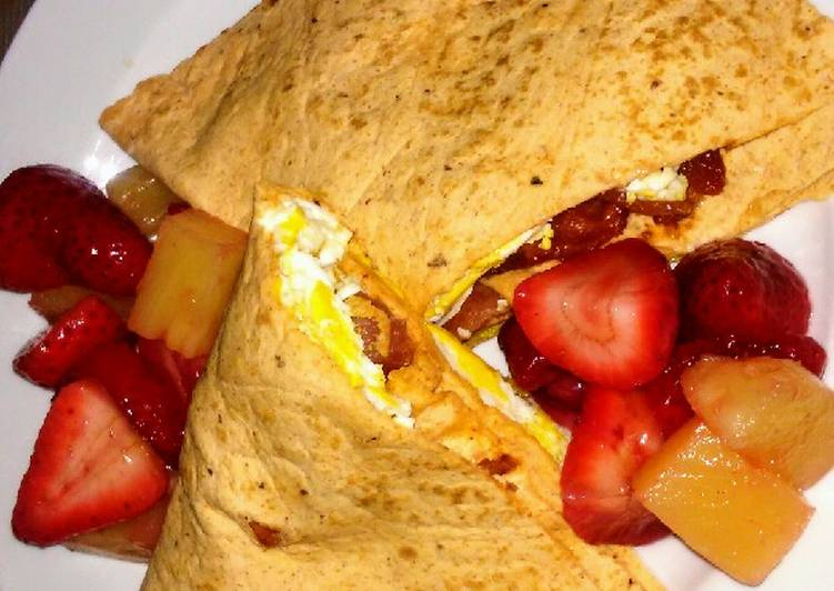 Bacon & Egg Breakfast Wrap