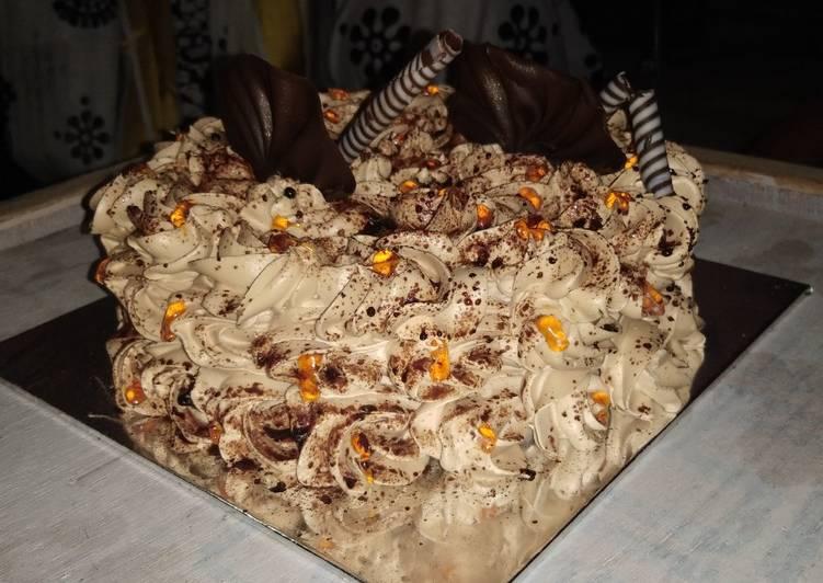 Eggless chocolate flower birthday cake