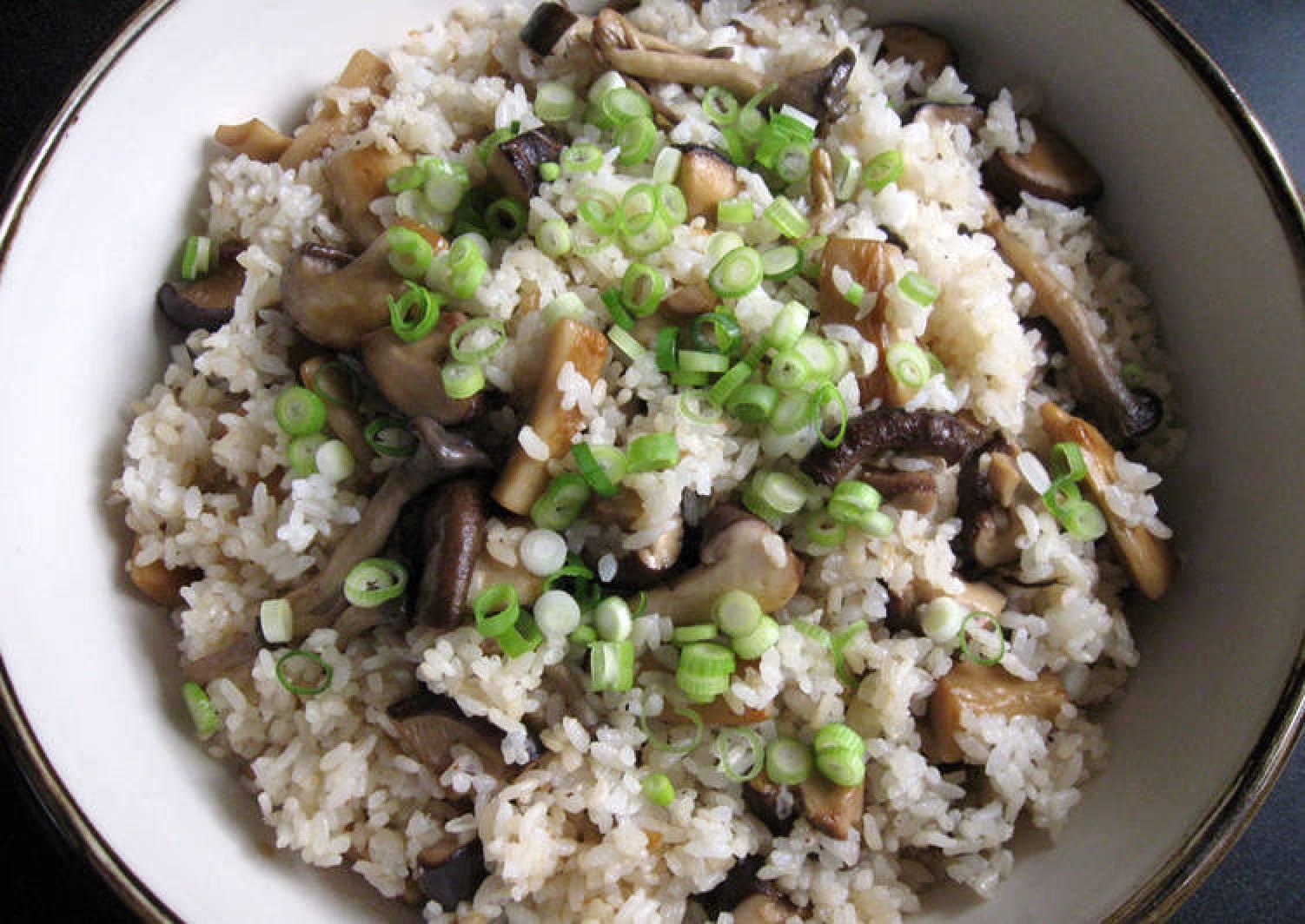 Asian Mushrooms & Garlic Mazegohan