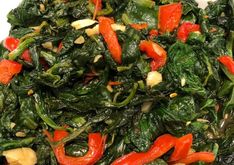 Garlicky Spinach with Red Peppers