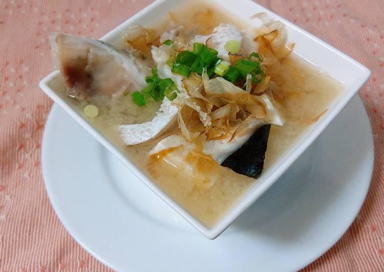 鄭恬 發表的 味噌鮭魚豆腐湯 食譜 - Cookpad