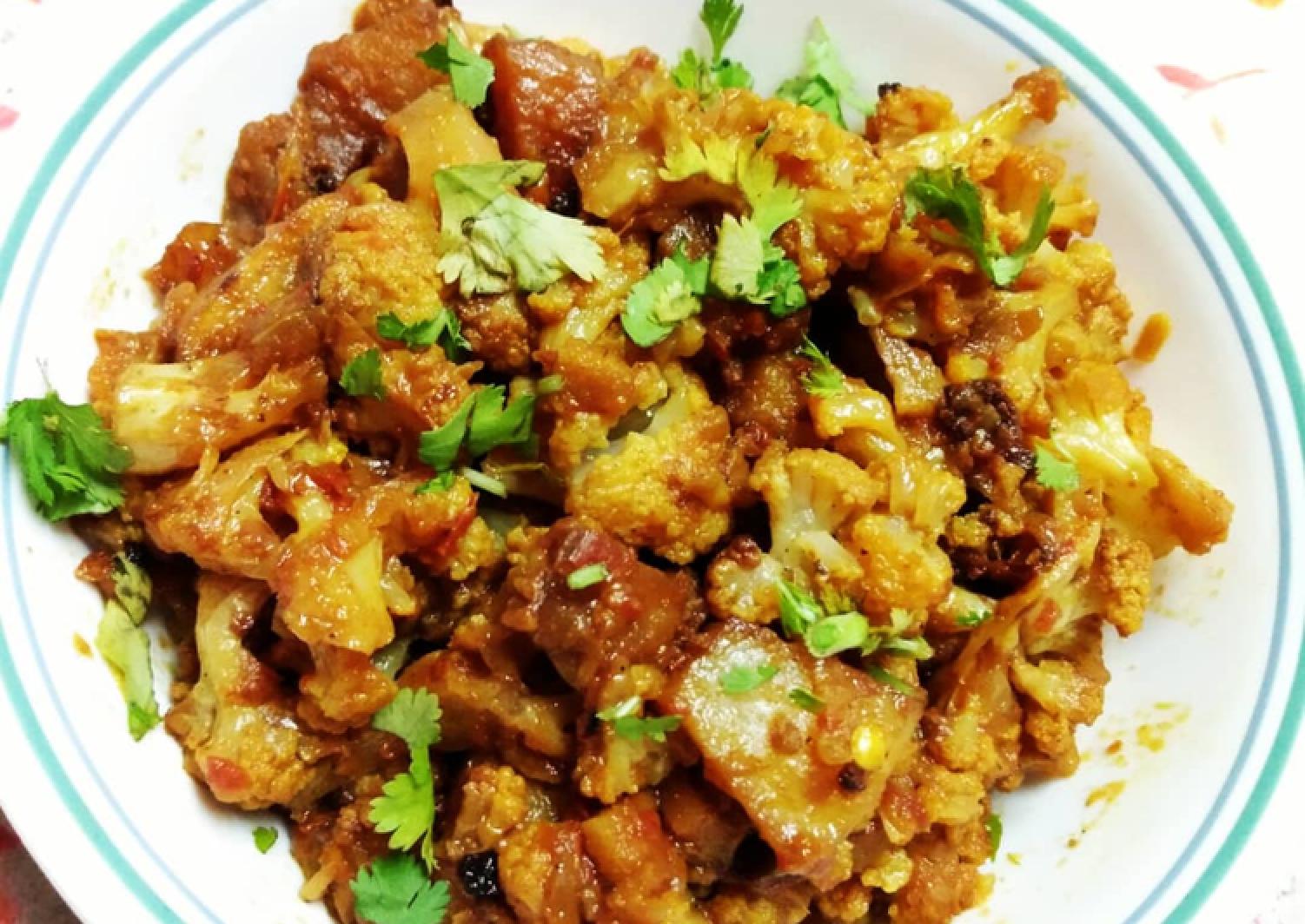 Crispy fried Aloo Gobi