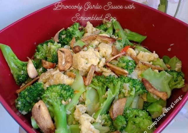 Broccoli Garlic Sauce with Scrambled Egg