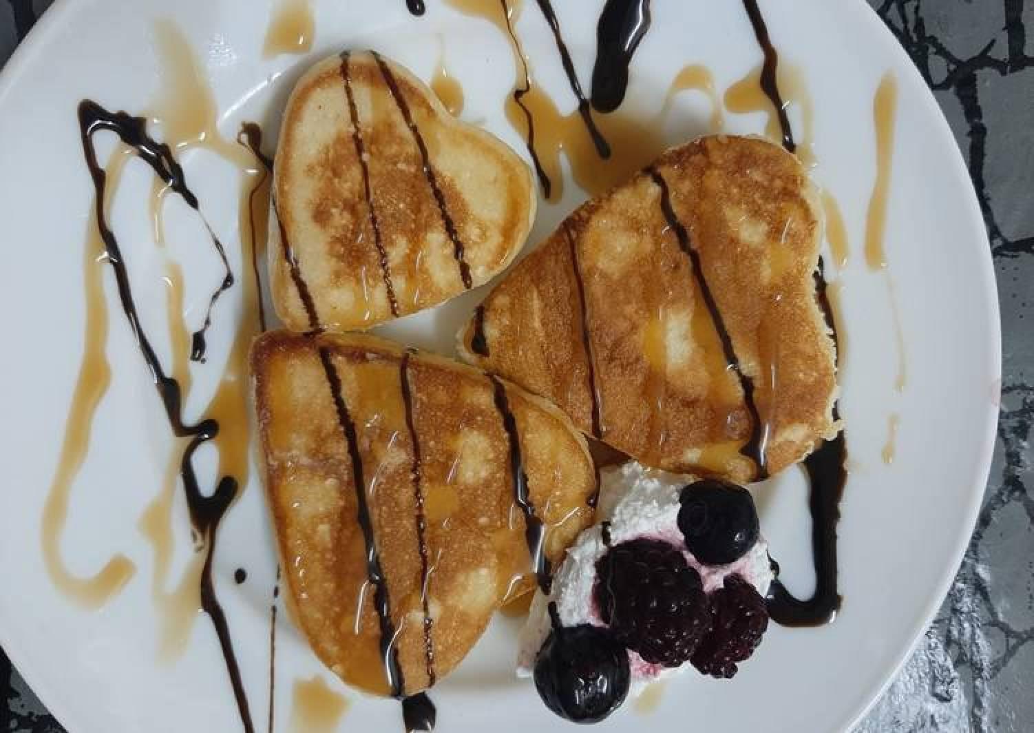 Souffle pancakes (heart shaped)
