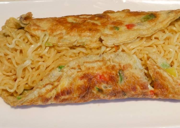 Noodles omelette Egg noodles omelette