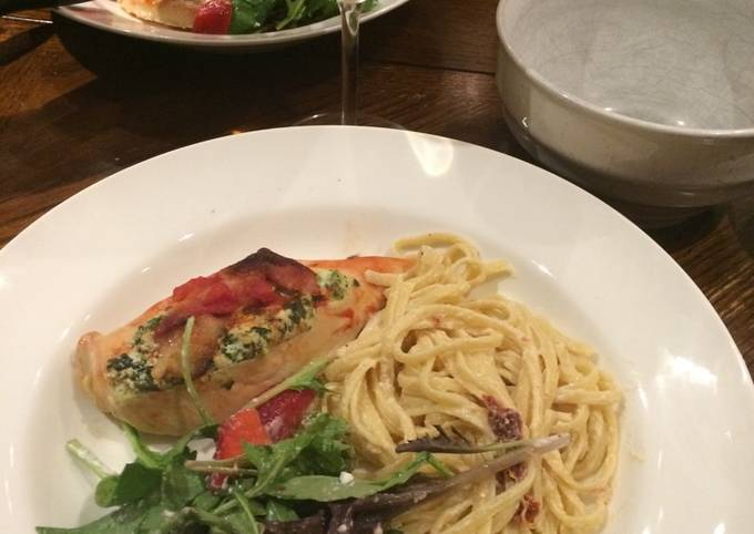 Recipe of Delicious Spinach and ricotta stuffed chicken with pasta