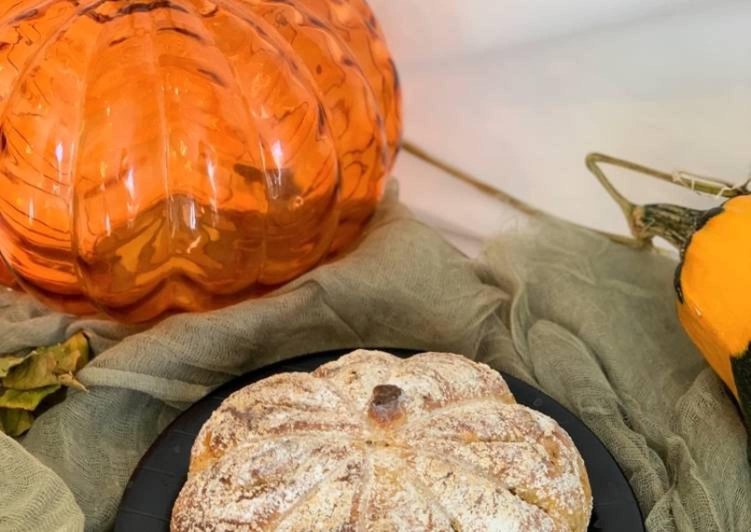 Pumpkin Bread (Boule)