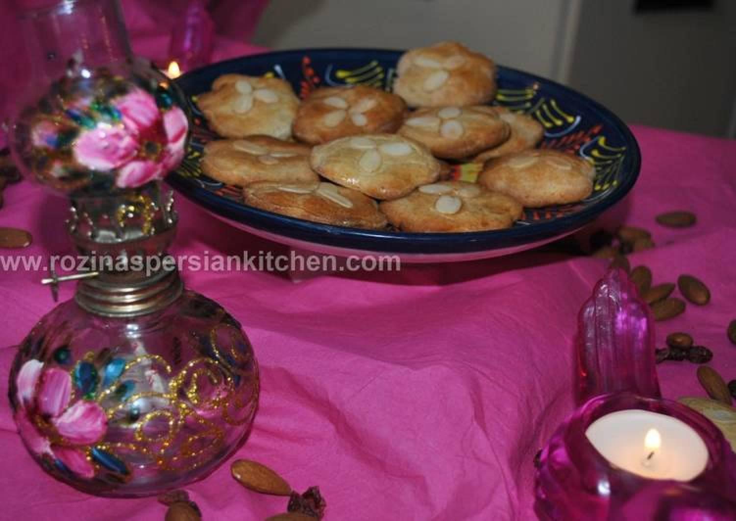 Almond Biscuit بیسکویت بادامی