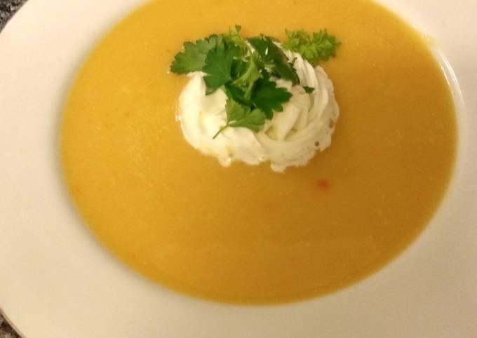 Schritte Um Perfekte Kürbiscrème Suppe mit Zusatz zuzubereiten