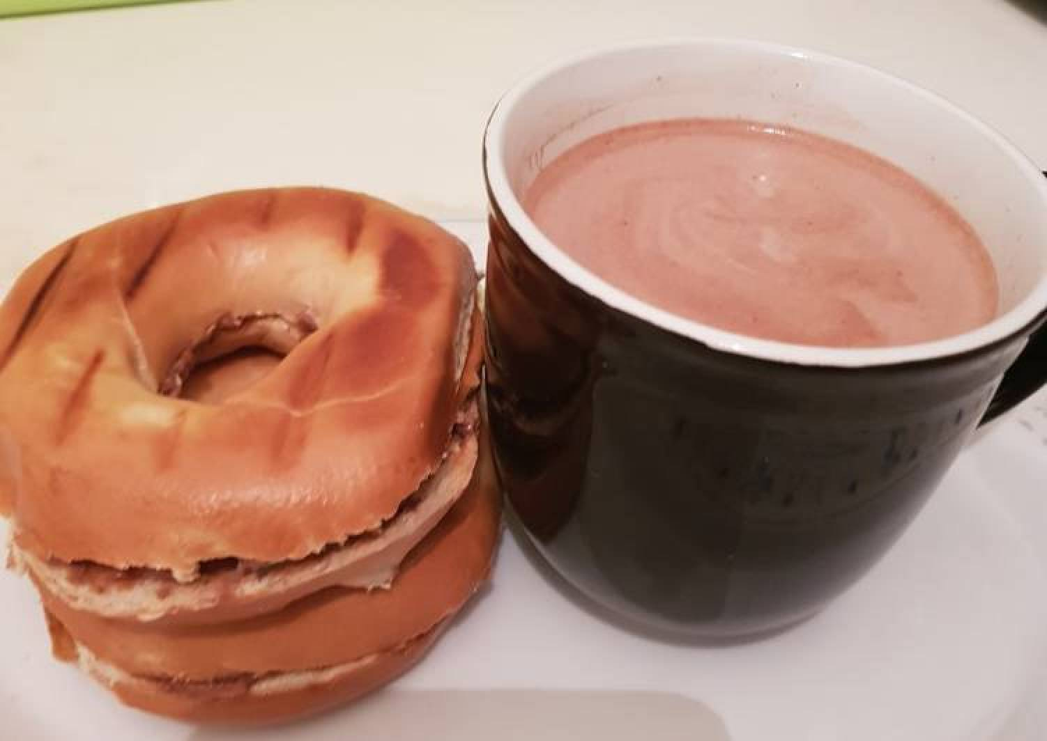 Bagels bread and Hot chocolate drinks