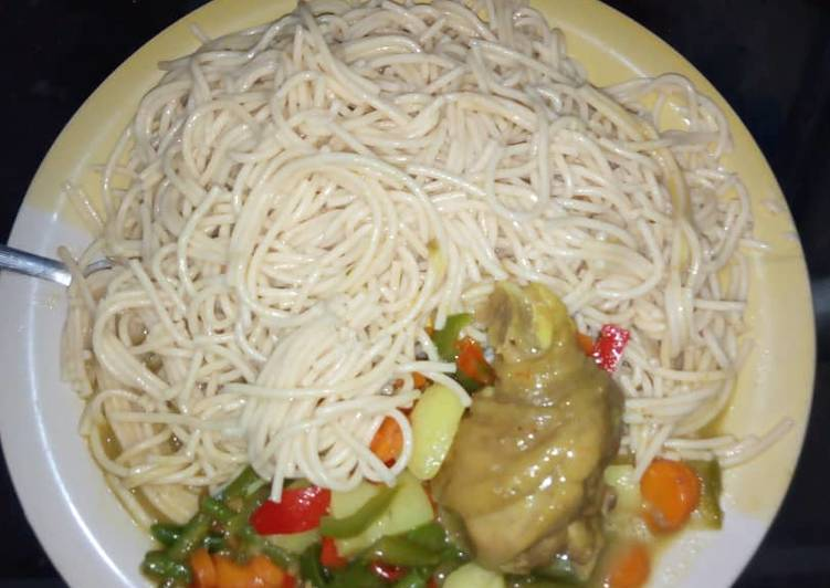 Spaggetti and Veggie curry sauce