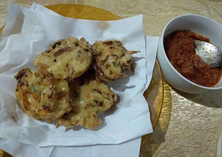 Bakwan sayur crispy sambal terasi