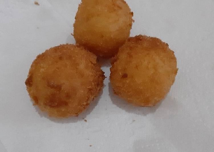 Potato chesse ball