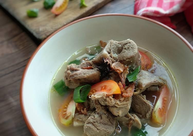 Sop Kambing Madura : Daging kambing yang sudah dipresto, sangatlah empuk.