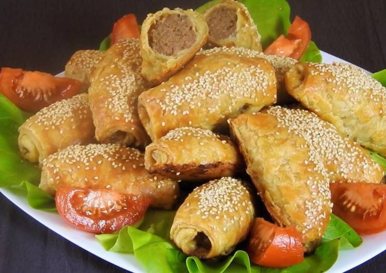 Mini Cheesy Meatball Pies Wrapped in Puff Pastry
