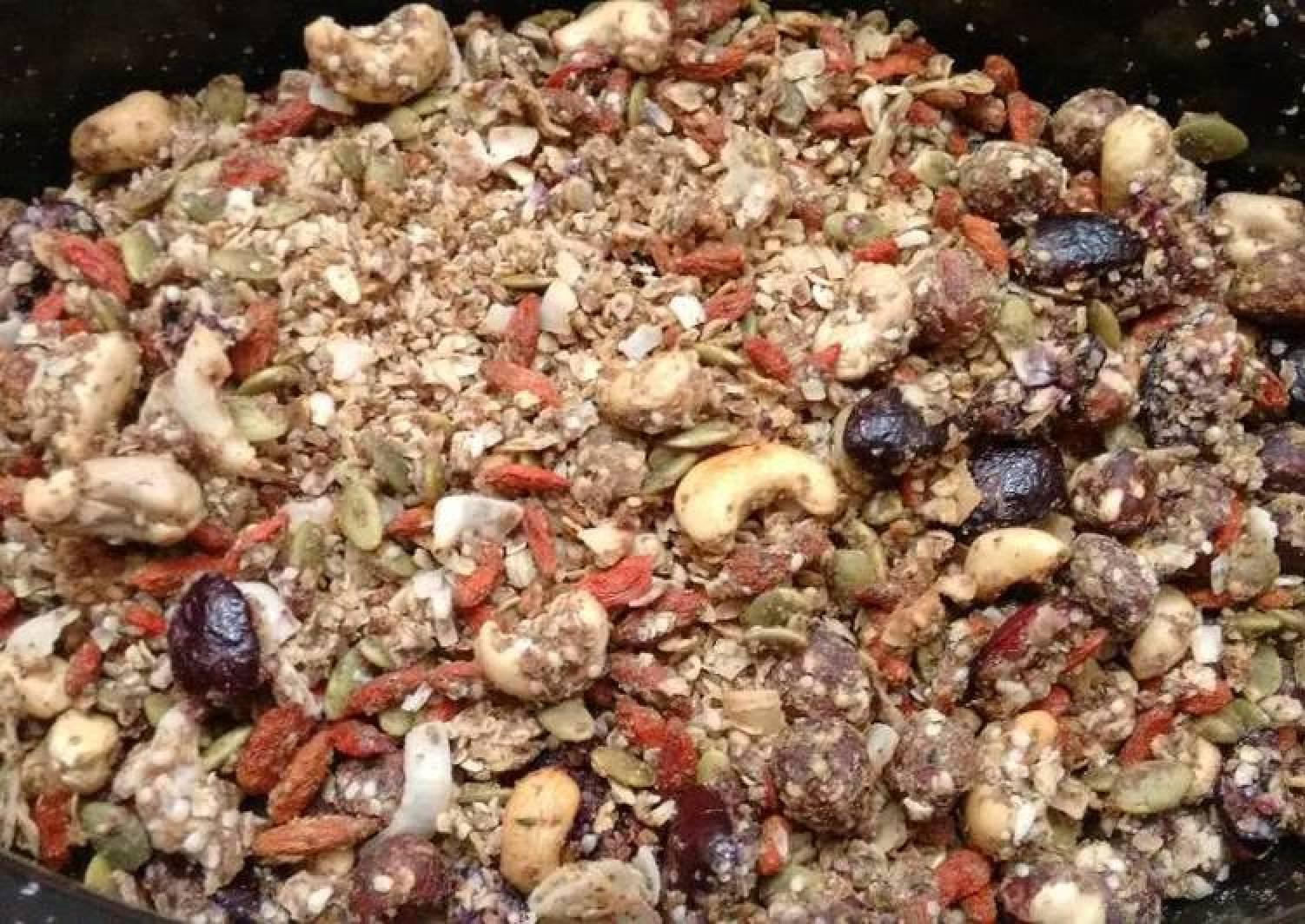 Super healthy vegan granola