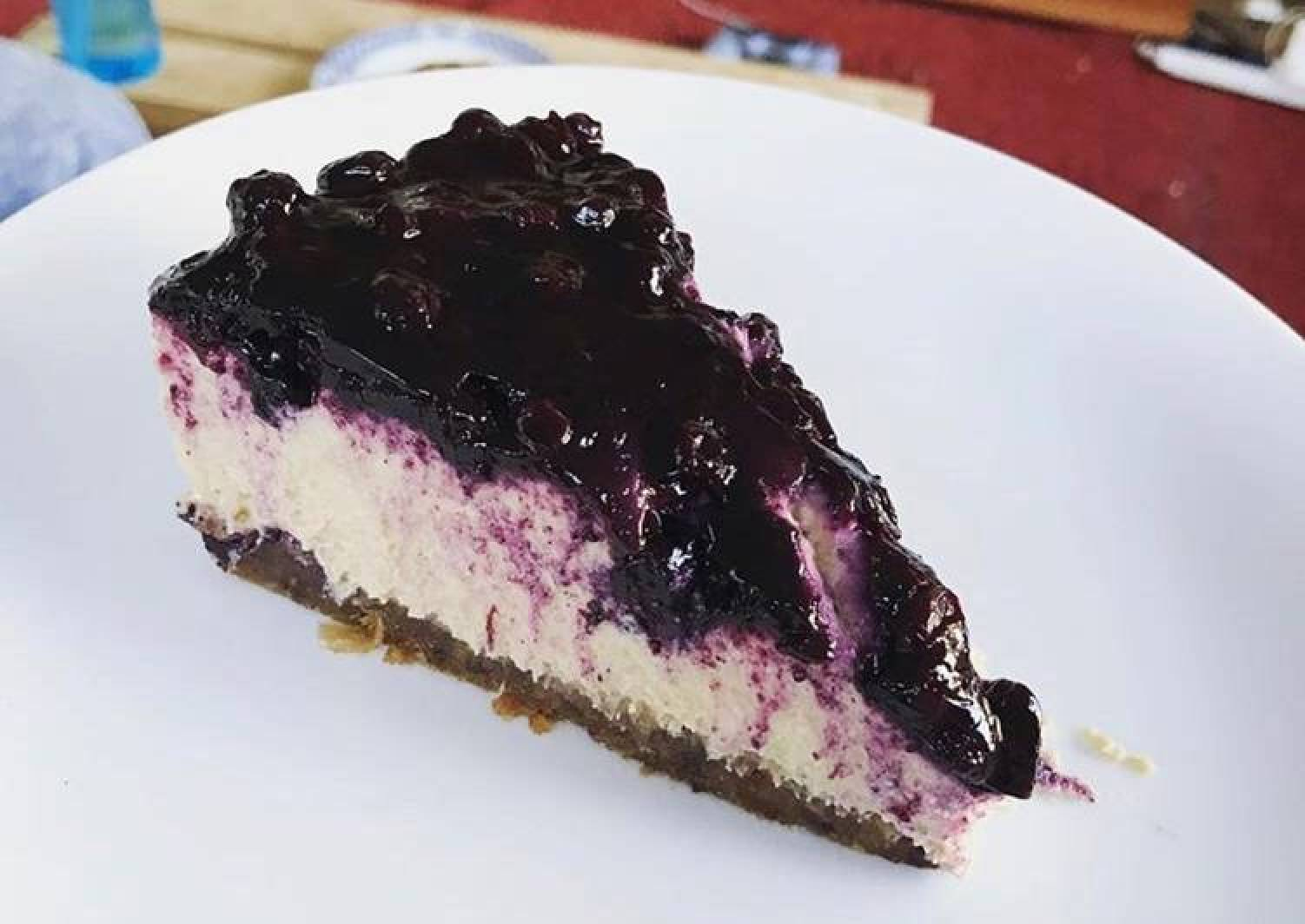 Vegan Lemon & Blueberry Cheesecake (contains nuts)