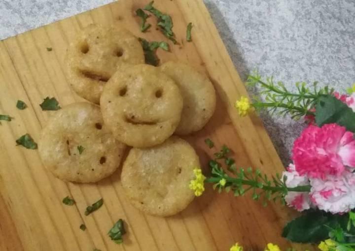 Potatoes smiley with tomato soup