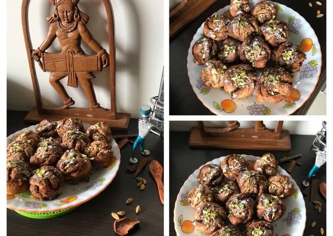 Recipe of Tasteful Cardamoms-Cinnamons-Pistachios filled Swedish Buns:  KARDEMUMMABULLAR