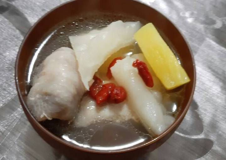 Chicken Soup with Bitter Melon and Pineapple (Taiwanese Cuisine)