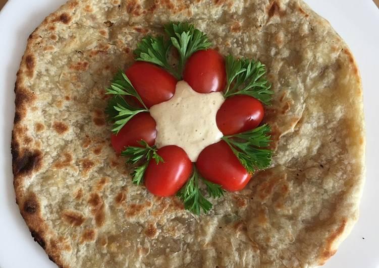 Chicken Kulcha with Hummus