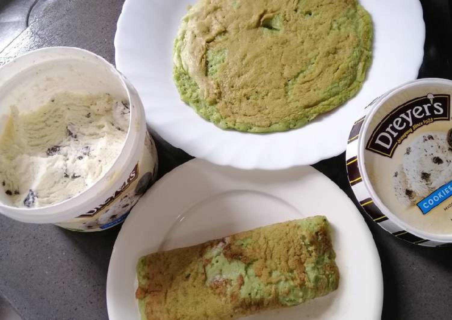 Rolled Ice Pancake w/ Ice Cream