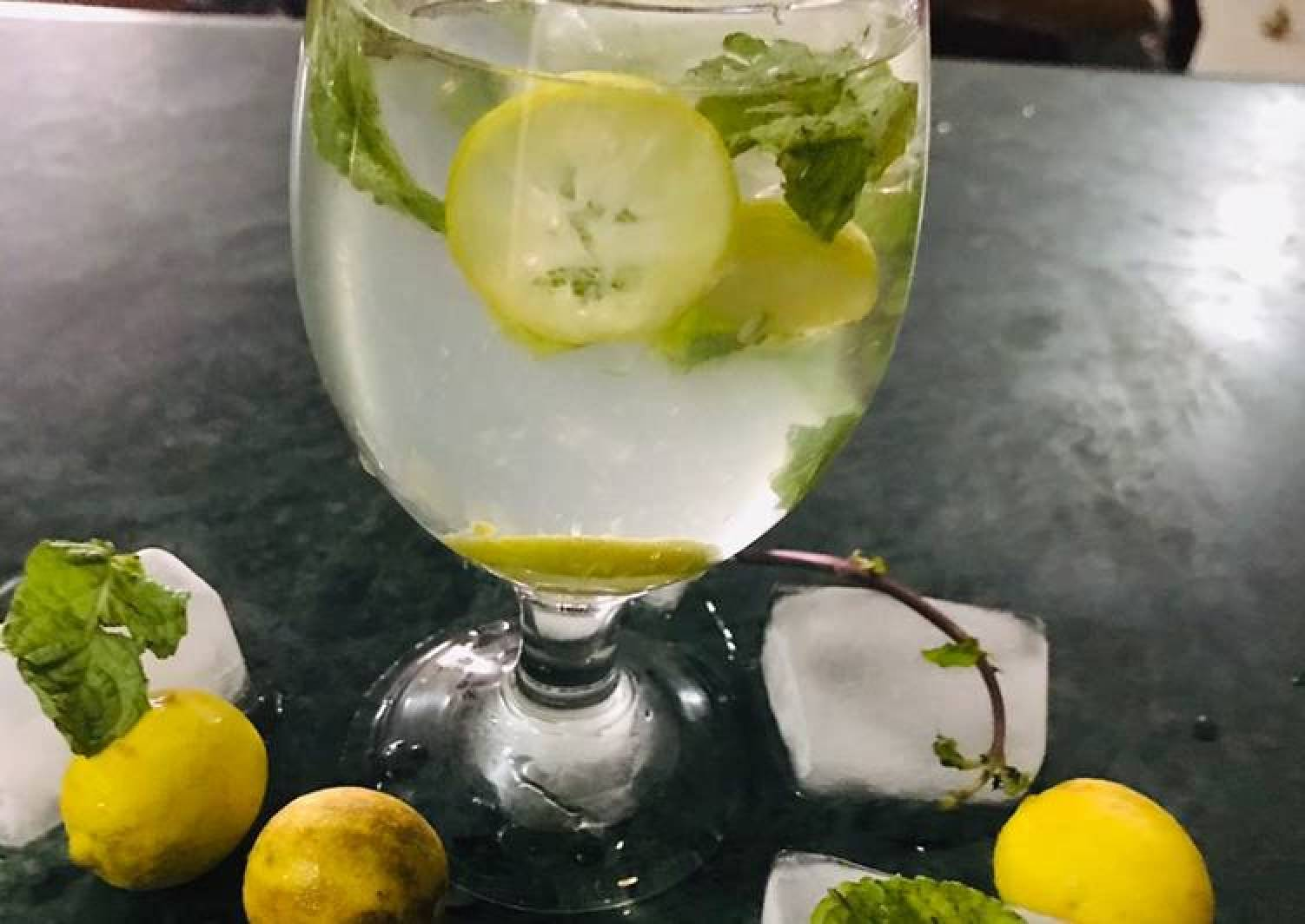 Mint and lime drink