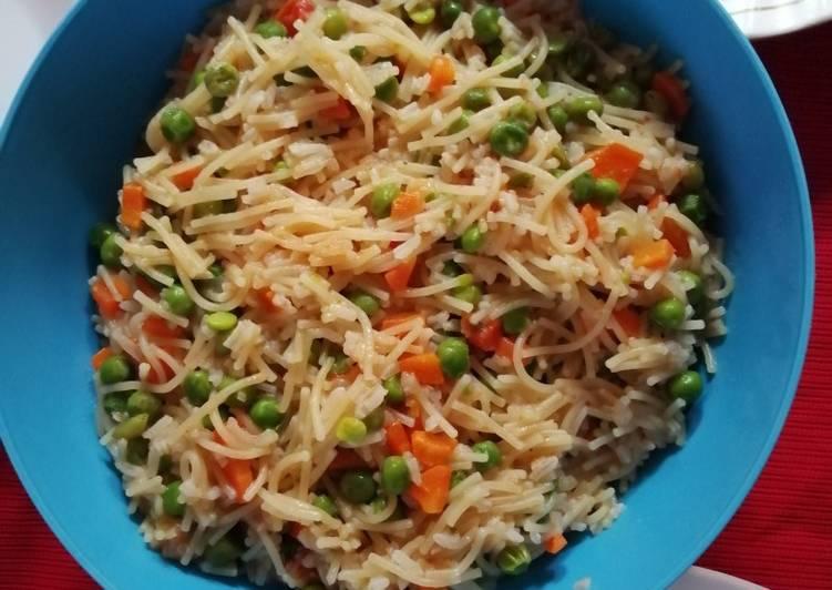 Steps to Make Homemade Spaghetti, minji and carrots