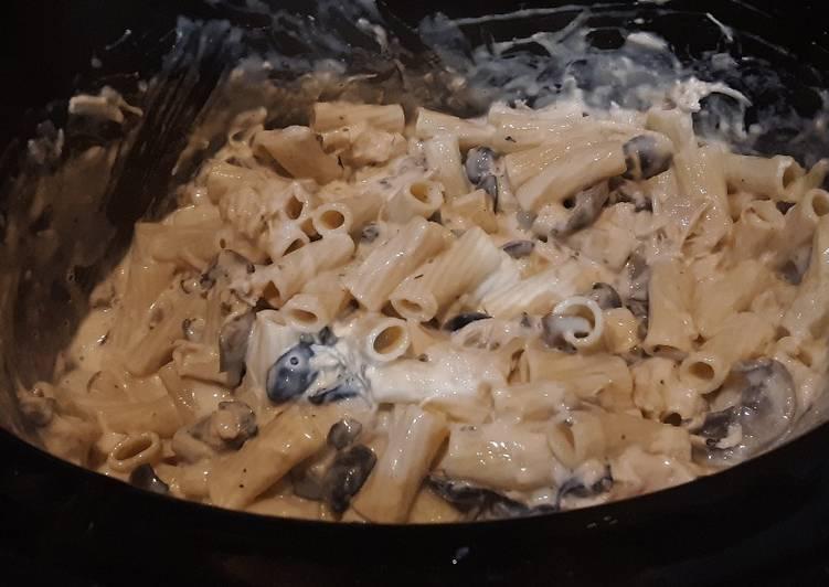 Recipe of Super Quick Homemade Crockpot Chicken Alfredo