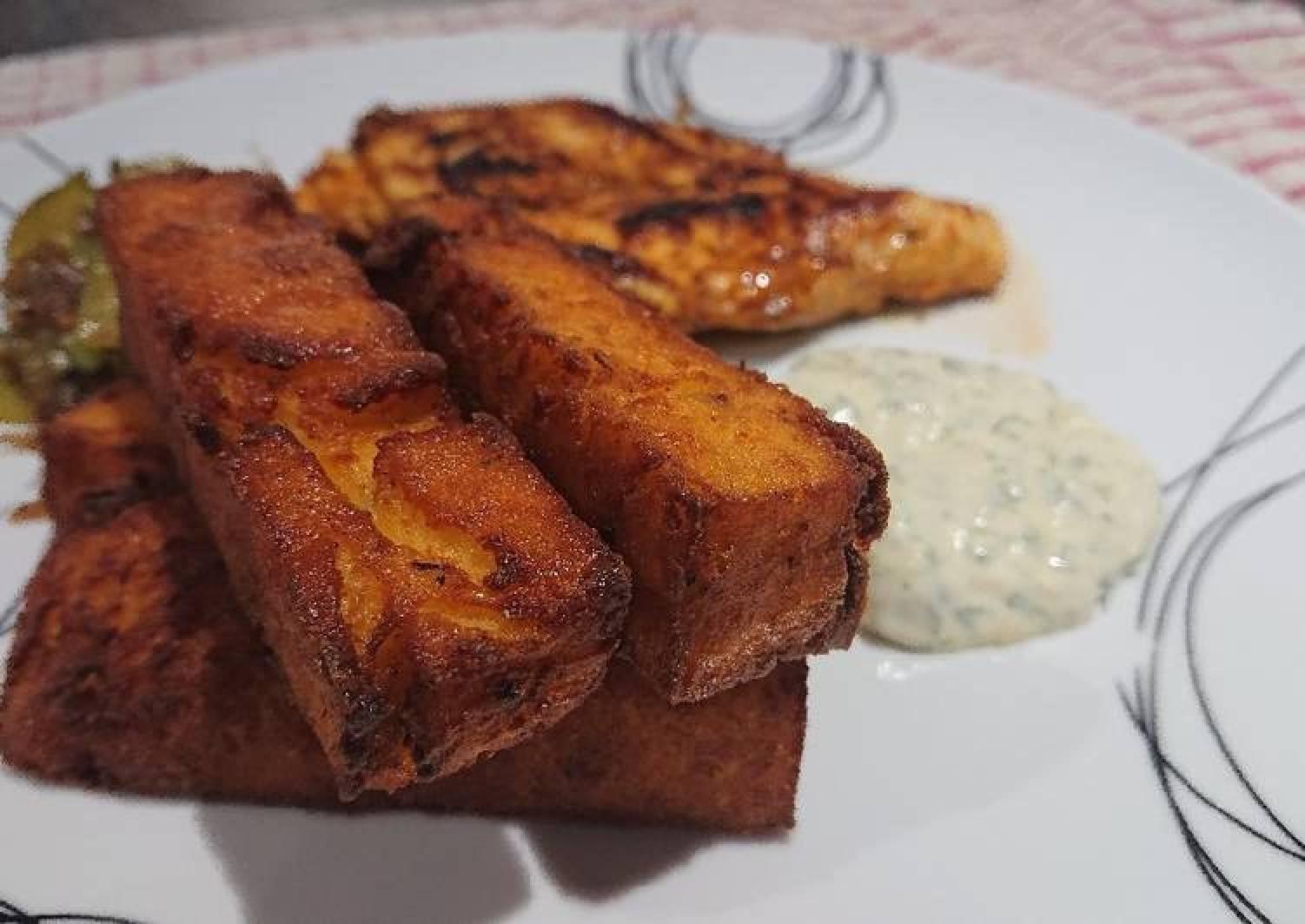 Polenta Chips with Roasted Garlic Aioli