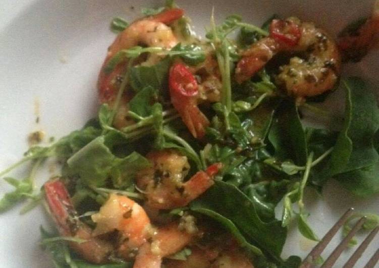 Ali's Thai-style Prawns with Rocket, Basil & Sprout Salad