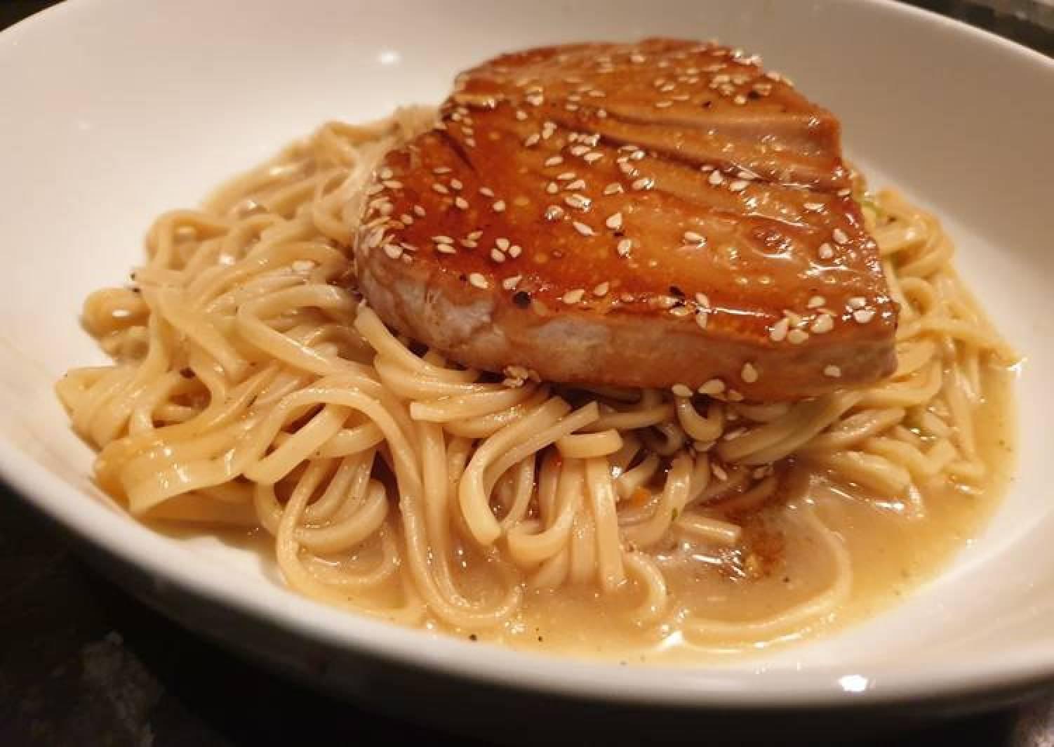 Teriyaki tuna noodles