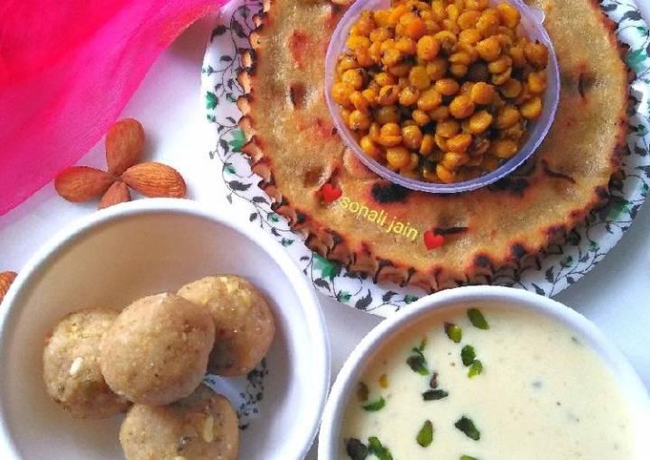 Khuba roth & spicy chickpea lentil & dry fruit kheer millet ladoo