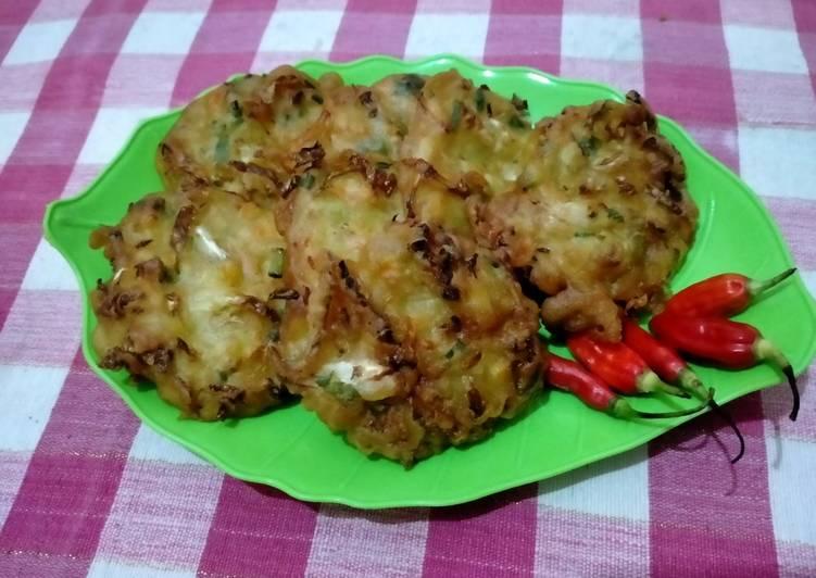 13. Bakwan sayur atau ote ote