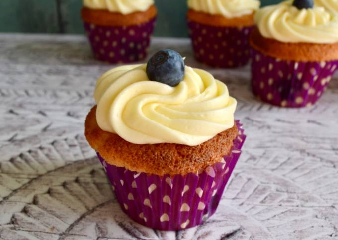 Step-by-Step Guide to Prepare Ultimate Blueberry Cupcakes with Lemon Frosting
