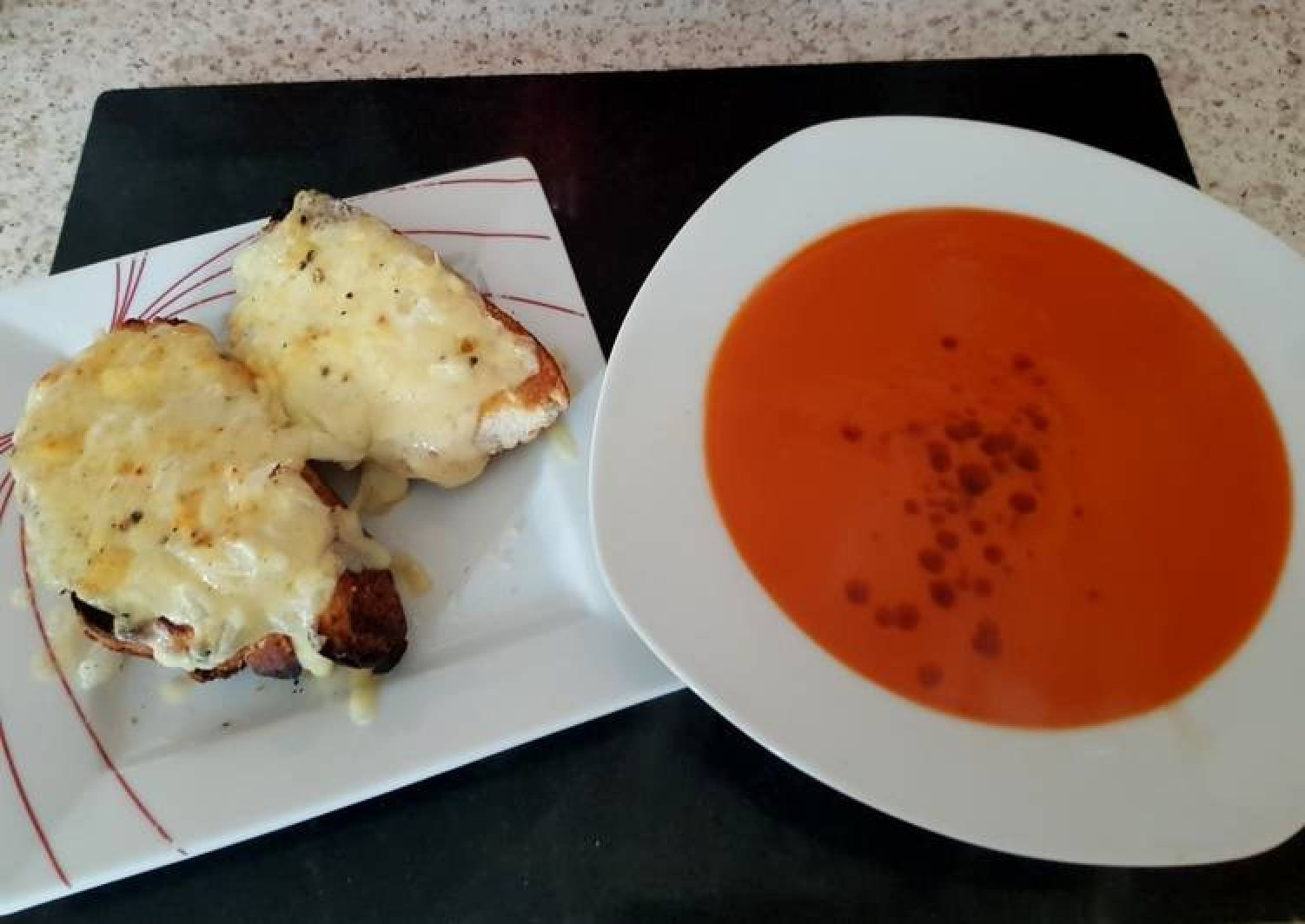 Cheese+Onion OnThick Toast With Tomato Soup.James Martin