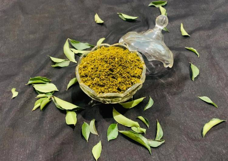 Karivepaku karam podi curry leaves powder Andhra style, What Are The Benefits Of Consuming Superfoods?