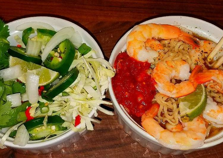Mike's Extra Spicy Thai Shrimp Noodle Soup, Finding Nutritious Fast Food
