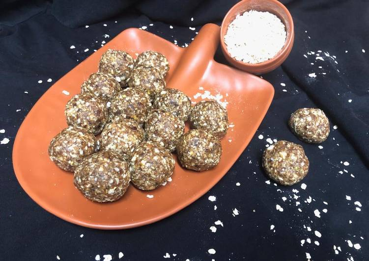 Oats and dates ladoo