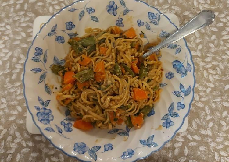 Satay noodles vegan