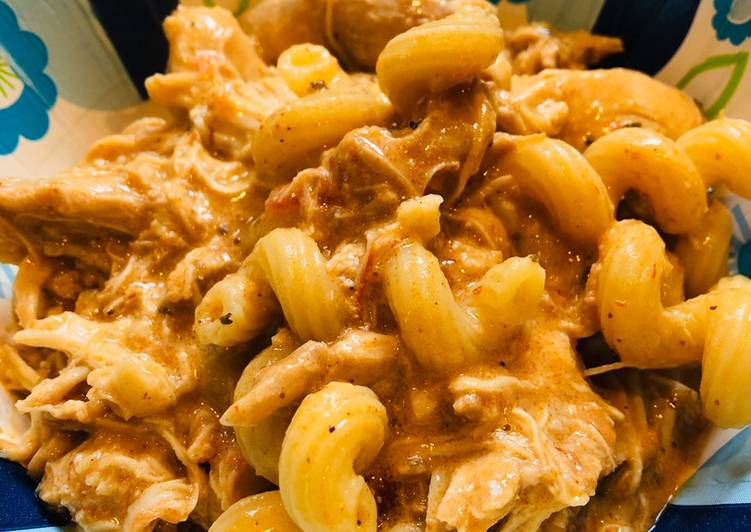 Step-by-Step Guide to Prepare Award-winning CrockPot Easy Creamy Chicken Enchilada Pasta ????